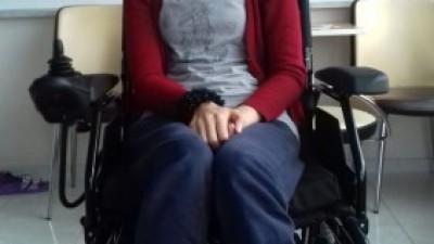 Engelli Kızımıza Akülü Tekerlekli Sandalyesini Malazgirt'te görev yapan muhtarımız Hasan Beye gönderdik